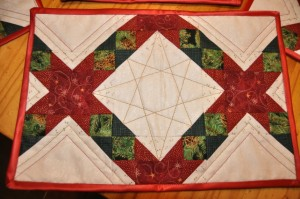 Festive table mat quilting