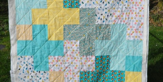 Baby Quilt – Birds and Pluses